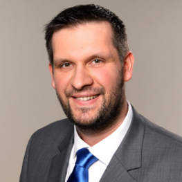 Florian Zastrow, Training Expert